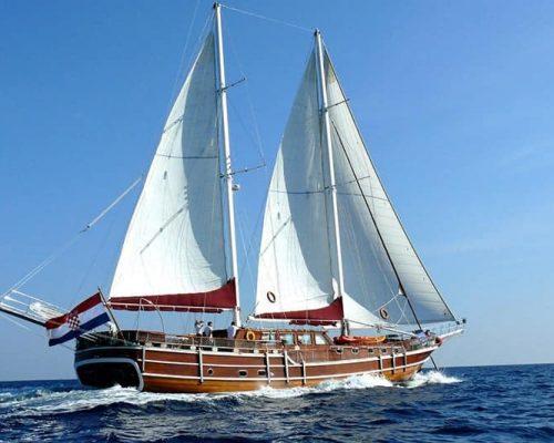 gulet charter rental croatia skippered bareboat split trogir šibenik dubrovnik