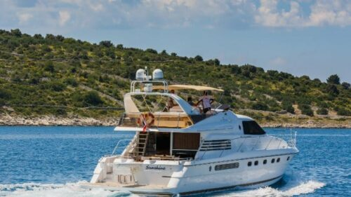 fairline-65-squadron-charter-croatia-rental