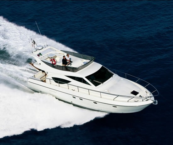 feretti-460-charter-croatia-rental