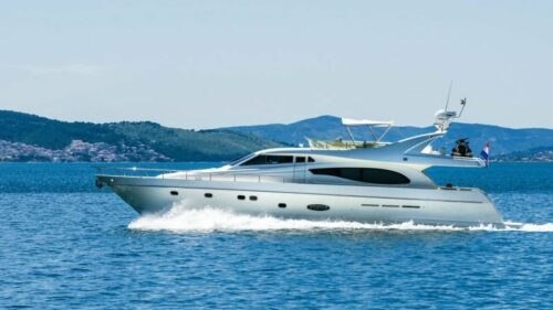 feretti-730-charter-croatia-rental
