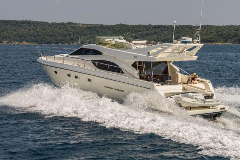 ferreti-530-charter-croatia-rental