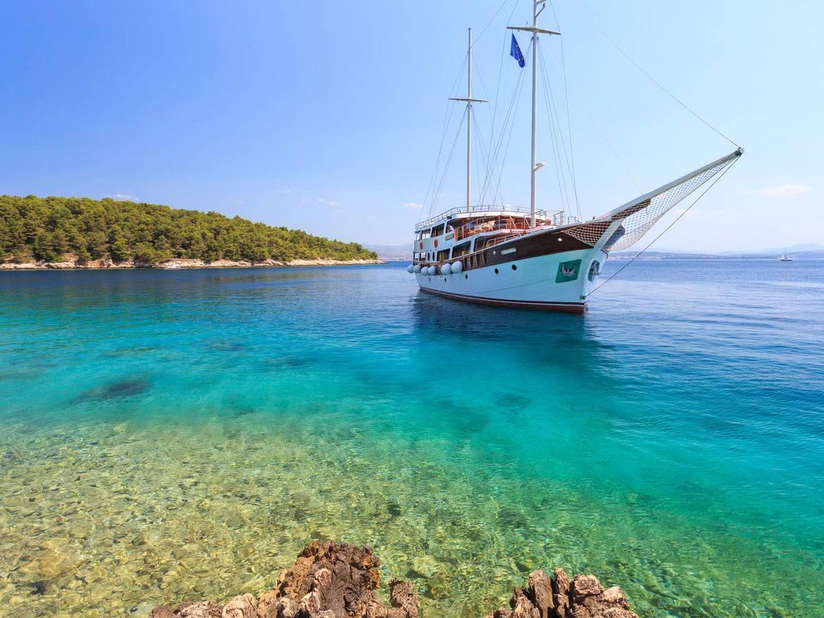 gulet-cesarica-charter-croatia-rental