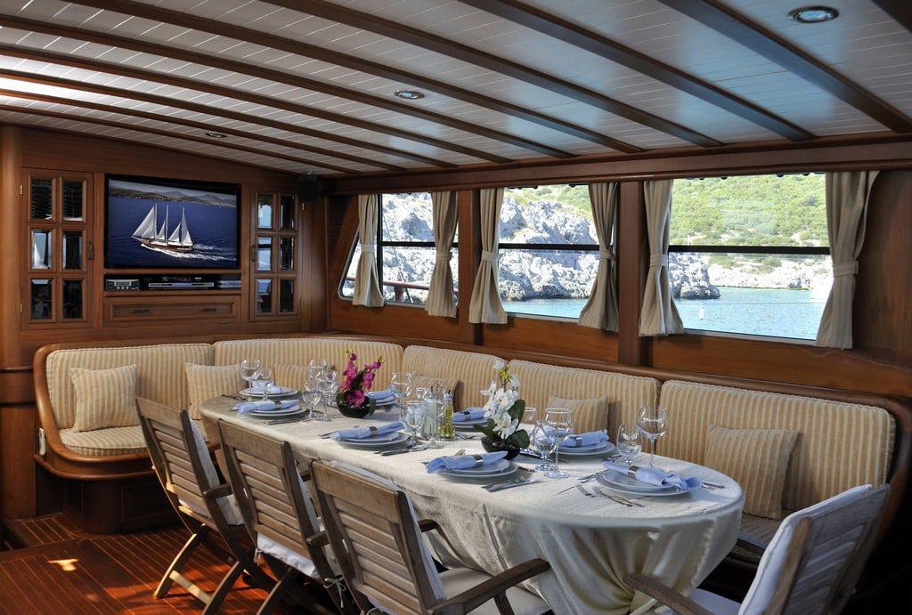 dolce-vita-yacht-charter-croatia-sailing-holidays-croatia-booking-yacht-charter-croatia-catamarans-sailboats-motorboats-gulets-luxury-yachts-boat-rental-9