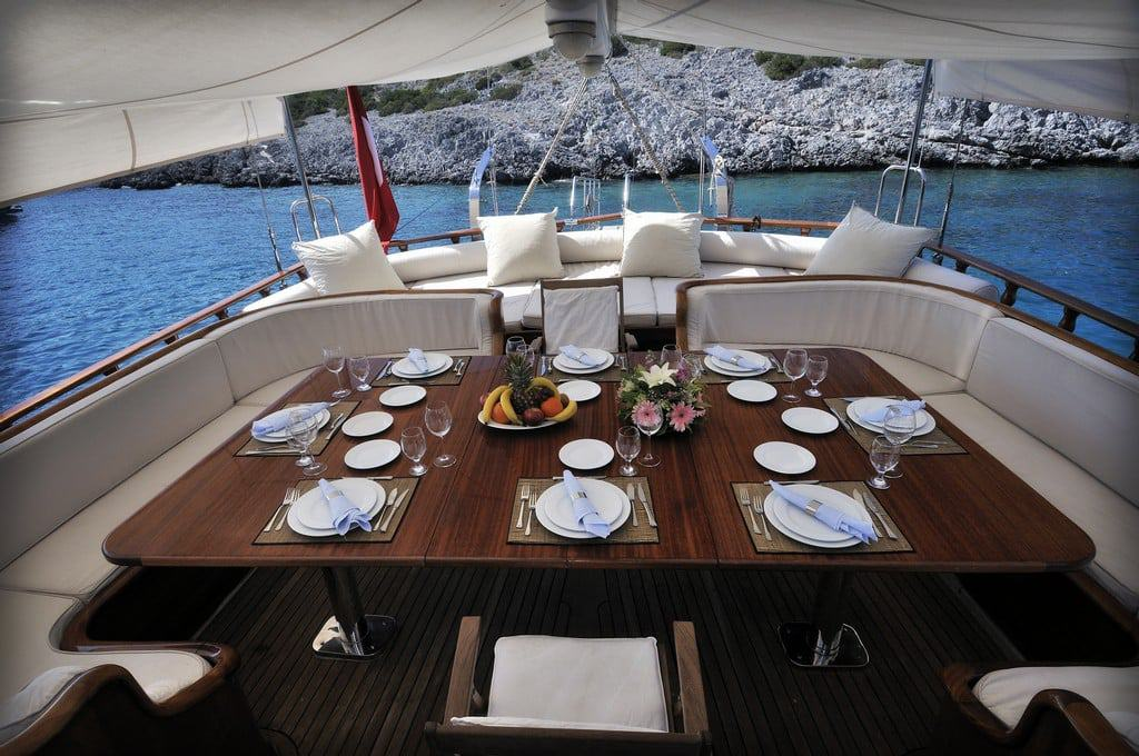 dolce-vita-yacht-charter-croatia-sailing-holidays-croatia-booking-yacht-charter-croatia-catamarans-sailboats-motorboats-gulets-luxury-yachts-boat-rental-8