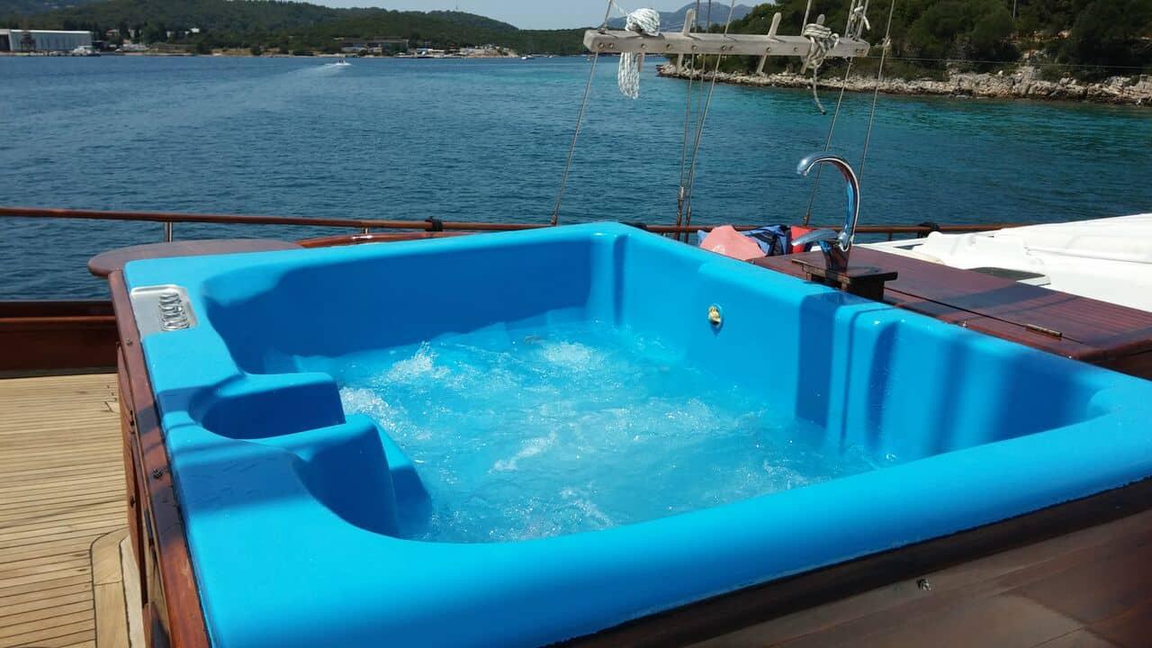 dolce-vita-yacht-charter-croatia-sailing-holidays-croatia-booking-yacht-charter-croatia-catamarans-sailboats-motorboats-gulets-luxury-yachts-boat-rental-10