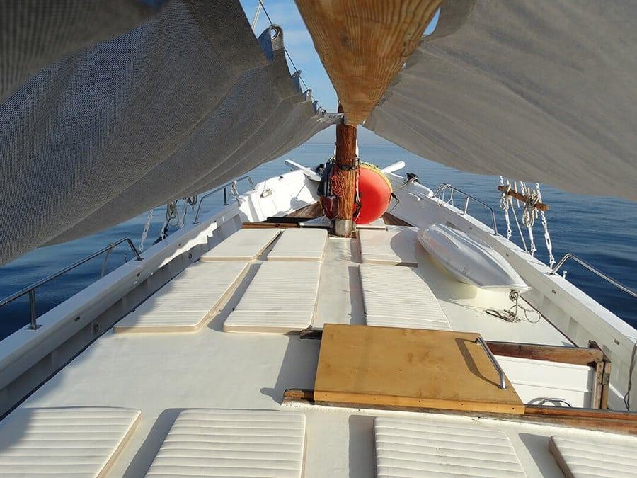 dolin-yacht-charter-croatia-sailing-holidays-croatia-booking-yacht-charter-croatia-catamarans-sailboats-motorboats-gulets-luxury-yachts-boat-rental-7