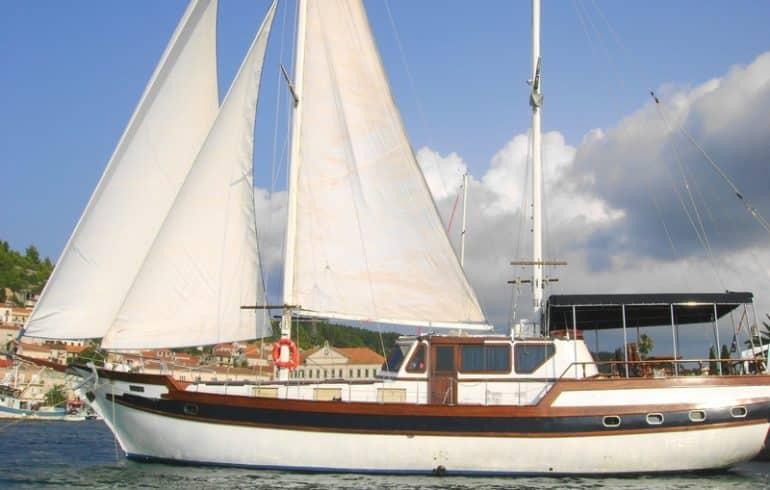 hera-yacht-charter-croatia-sailing-holidays-croatia-booking-yacht-charter-croatia-catamarans-sailboats-motorboats-gulets-luxury-yachts-boat-rental-6