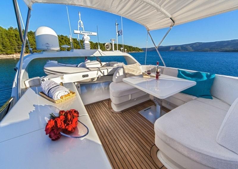 maiora-20-yacht-charter-croatia-sailing-holidays-croatia-booking-yacht-charter-croatia-catamarans-sailboats-motorboats-gulets-luxury-yachts-boat-rental-croatia3